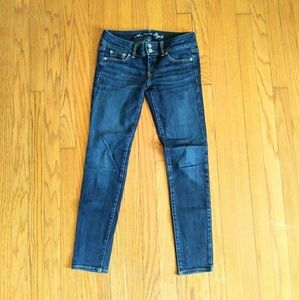 American Eagle Super Skinny Jeans Sz 4 (Old Style)